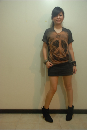 Wet Seal shoes - random from Bangkok skirt - random from Bangkok shirt