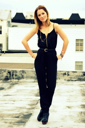 black jumpsuit H&amp;M jumper - ankle booties Nyla boots