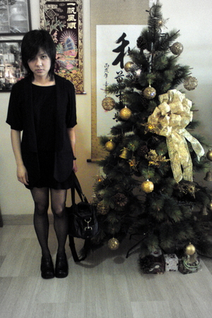 black dotted Topshop tights - black uniform shoes haru shoes - black Uniqlo
