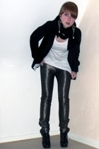 H&M blazer - Kate Moss for Topshop pants - Bik Bok top - Din Sko shoes - GINA TR