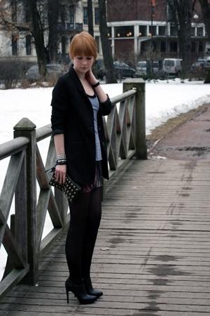 silver studded cuffs Supernova accessories - black clutch Bianco accessories
