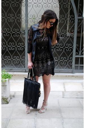 leather pink woman vest - lace black dress - fringed leather chicnova bag