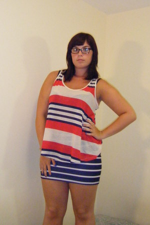 red stripes Primark t-shirt - navy tube Bershka skirt