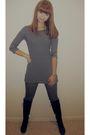 Blue-no-brand-shirt-gray-no-brand-jeans-black-no-brand-boots