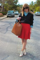 red pleated Vintage Gap skirt - off white ankle booties Rachel Comey boots