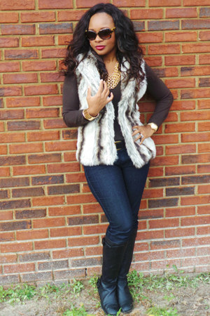 faux fur fur vest - black vera wang boots - animal print vera wang sunglasses
