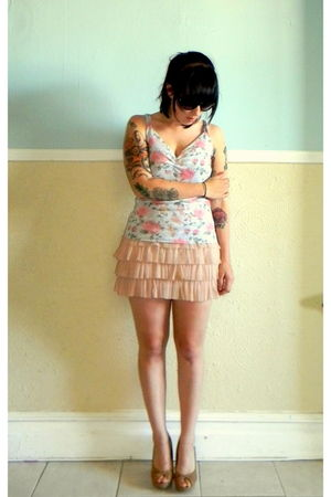 pink ballerina H&M dress - beige thrifted shoes - black Forever 21 sunglasses