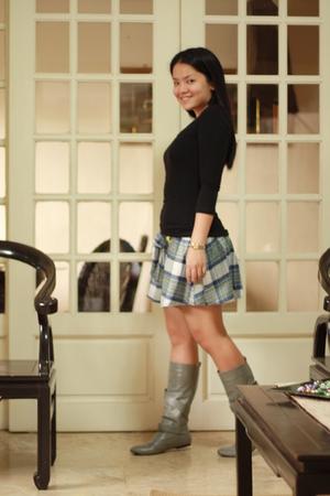 bench top - Fox skirt - Bumper boots