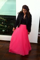 hot pink maxi Mango skirt - black faux fur Sheinside coat - gold Zara belt