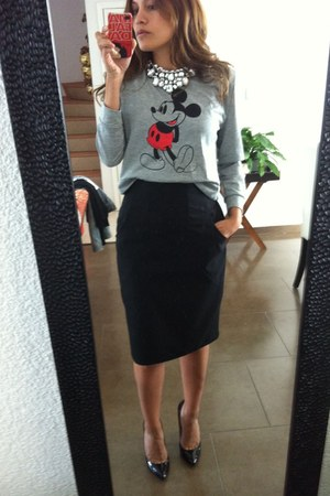 Mickey Mouse sweatshirt - black pencil Mango skirt - Sheinside necklace
