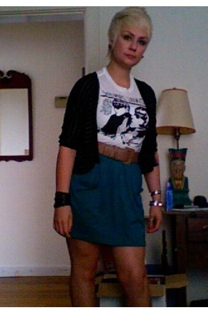 UO t-shirt - aa skirt - thrifted belt - UO sweater