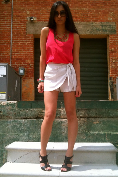 beige Forever 21 shorts - brown Nine West shoes - pink Forever 21 top