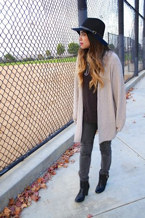 black Nordstrom hat - charcoal gray Mango jeans - black H&M t-shirt