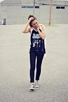 black skinny Levis jeans - black muscle tee Ardene top - black Converse sneakers