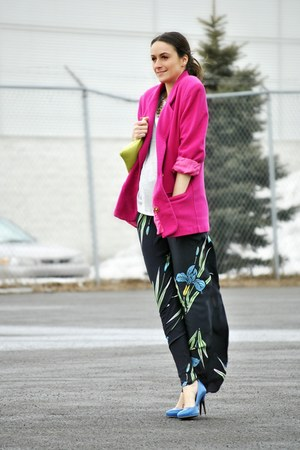 black printed silk Zara pants - hot pink vintage blazer