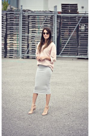 heather gray pencil skirt Smart Set skirt - light pink American Apparel sweater