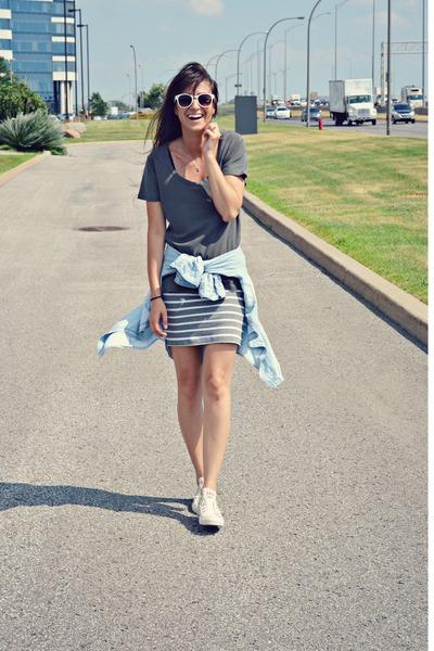 white Ardene sunglasses - gray Zara t-shirt