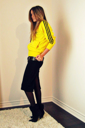 yellow adidas jacket - black Sirens shirt - black X2B boots - black H&amp;M stocking