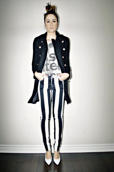 white striped Motel Rocks jeans - black military Sheinside coat