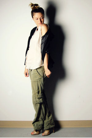 green cargo Zara pants - beige lace-up ankle Aldo boots - black Sirens blazer