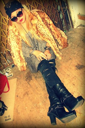 black motorcycle Donald J Pliner boots - brown leopard vintage coat - black Curr