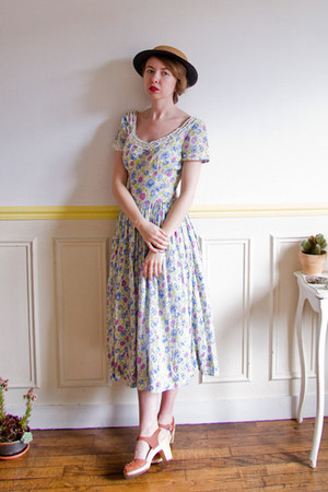 violet vintage dress - navy boater vintage hat