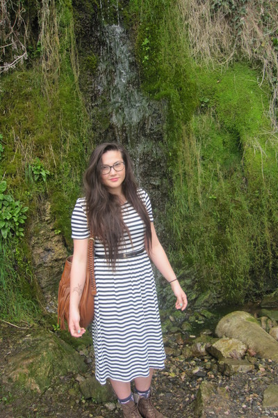navy striped Primark dress - brown River Island boots - brown tassels H&M bag