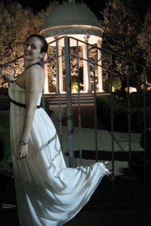 Bari Jay dress - Aldo shoes
