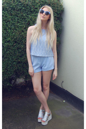 Ikrush shoes - Missguided shorts - whistles top