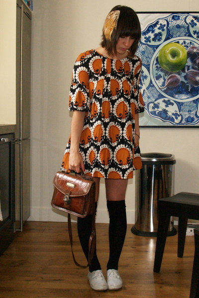 H&amp;M dress - Waterlooplein Market purse - Bona Drag accessories - Zipper shoes