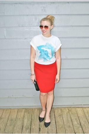 blue Hobo Islandwear top - red Andrea Jovine skirt