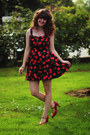Black-cherry-dress-red-heels