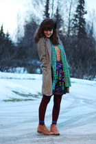 camel leopard print shirt - green striped shirt - coral boots - maroon tights