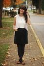 Navy-floral-leggings-white-lace-shirt-eggshell-cardigan-dark-green-skirt