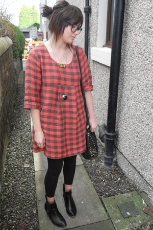 Topshop dress - me&amp;zeena necklace - Zara leggings - vintage boots - American App