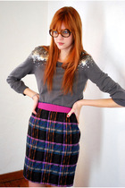 Pink-leather-lace-velvet-vintage-skirt-gray-h-m-sweater-pink-vintage-belt-