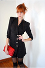 Black-leather-lace-and-velvet-vintage-blazer-red-vintage-purse-black-america
