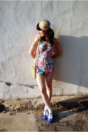 pink vintage - vintage purse - H&M hat - H&M socks - Melissa shoes