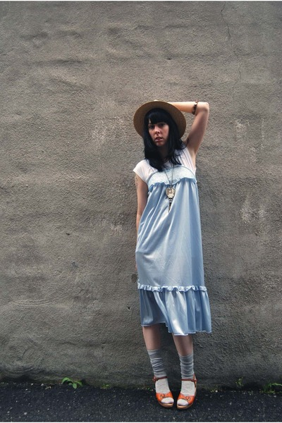 vintage dress - Lululemon t-shirt - vintage hat - Urban Outfitters socks - vinta