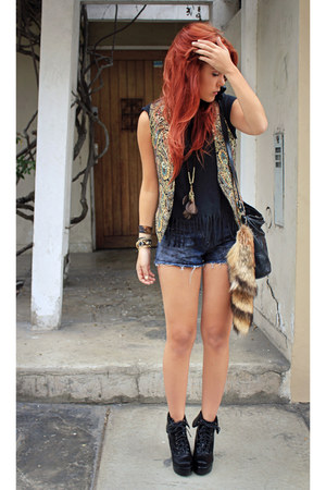 wwwwholesale-dressnet boots - vintage shorts - Forever 21 necklace