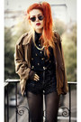 Light-brown-vintage-jacket-black-sheinside-blouse