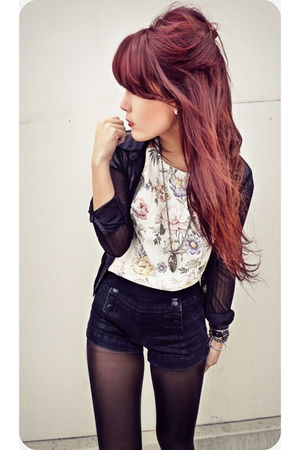 black Express blouse - Forever 21 shorts - white vintage top