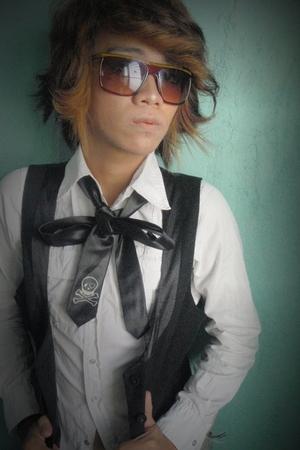 tokyo pop sunglasses - OWN tie