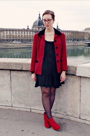 black Zara dress - ruby red andré boots - ruby red vintage jacket