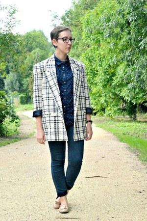 white vintage jacket - navy H&M jeans - navy H&M shirt - eggshell Tex flats