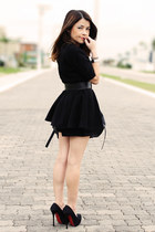 black dress - black bag - black pumps