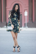 Dark and Floral