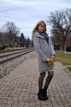 heather gray wool Columbia coat - lime green patent leather HOBO bag