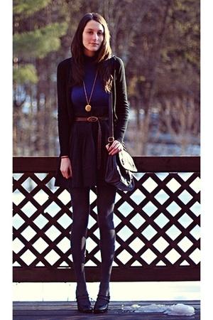 blue h&m sweater - black h&m sweater - black f21 shoes - gray gap tights