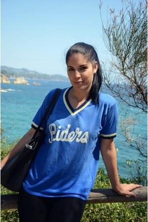 blue Zara t-shirt
